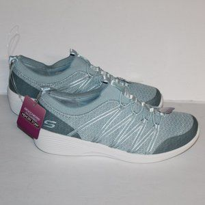 New with Tags Skechers Women 7